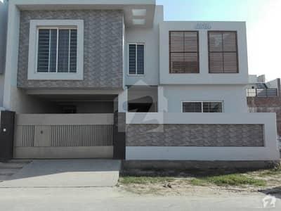ایڈن ایگزیکیٹو ایڈن گارڈنز فیصل آباد میں 4 کمروں کا 7 مرلہ مکان 1. 4 کروڑ میں برائے فروخت۔