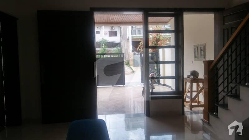 Prime location Upper portion for rent