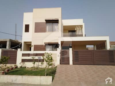 12 Marla Luxury Villa For Sale
