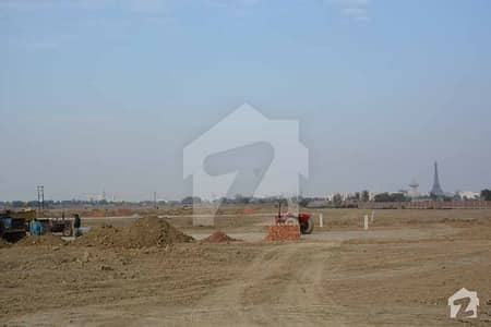 CORNER RESIDENTIAL PLOT AVAILABLE FOR SALE ON INSTALLMENT IN BAHRIA TOWN LAHORE