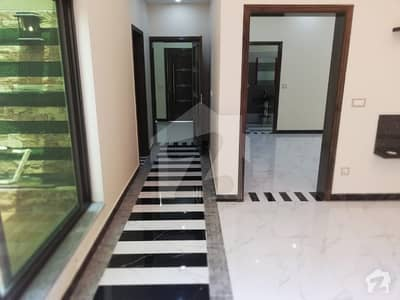 10 Marla Brand New Luxury House For Sale Prime Location