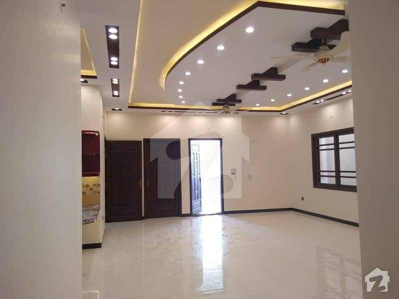 400 Square Yards Brand New Bungalow For Sale - Block 3