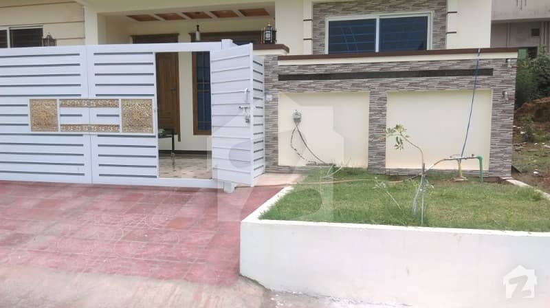 Sector G-13 - Islamabad - Double Unit Solid House For Sale - 50 Ft Road
