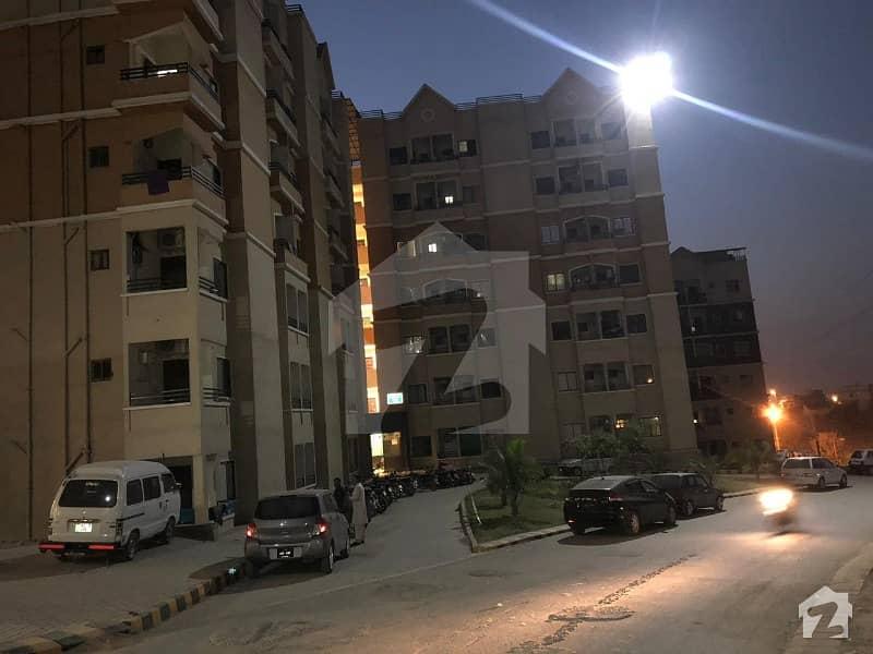 ڈیفینس ٹاور ڈی ایچ اے فیز 2 - سیکٹر سی ڈی ایچ اے ڈیفینس فیز 2 ڈی ایچ اے ڈیفینس اسلام آباد میں 1 کمرے کا 3 مرلہ فلیٹ 27 لاکھ میں برائے فروخت۔