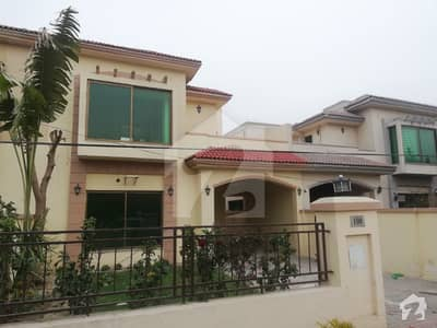 12 Marla beautiful house on Best Rent