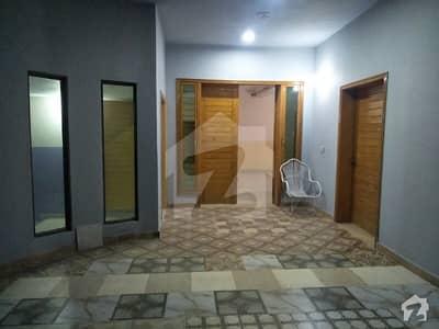 این ایف سی 1 لاہور میں 3 کمروں کا 1 کنال بالائی پورشن 45 ہزار میں کرایہ پر دستیاب ہے۔