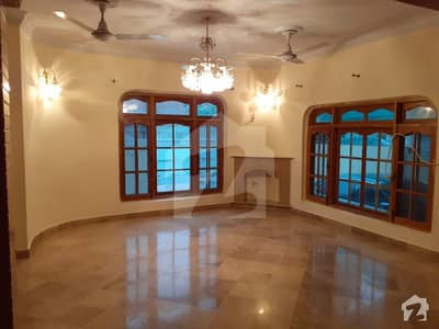 PROPERTY CONNECT OFFERS E11 Full house available for rent