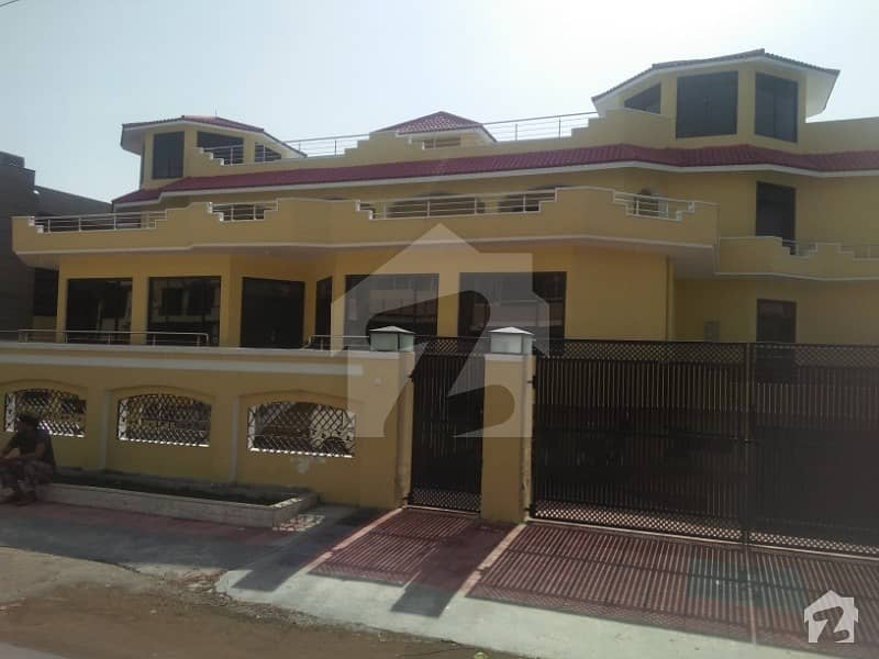House Is  Available For Purposes School Madiacl Complax Ingo On Rent