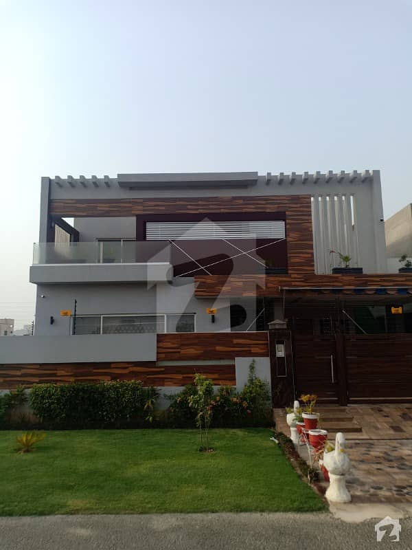 Dha Phase 7 Block R 1 Kanal 6 Bed Brand New Owner Build Unfurnished House With Basement For Sale