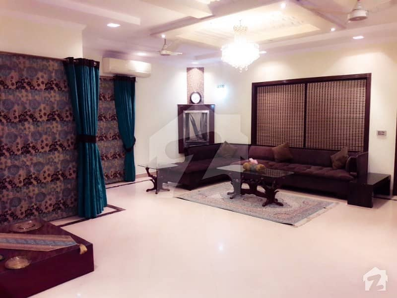 1 Kanal Luxurious Bungalow Fully Furnished For Short Stay As Well