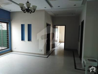 Leads Offer Kanal Upper Portion For Rent With Separate Entrance