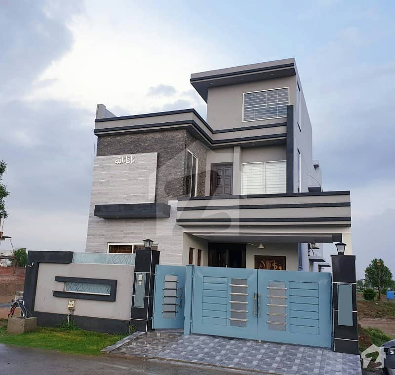 Owner Build Brand New House For Sale Facing Park Near To Ring Road Interchange
