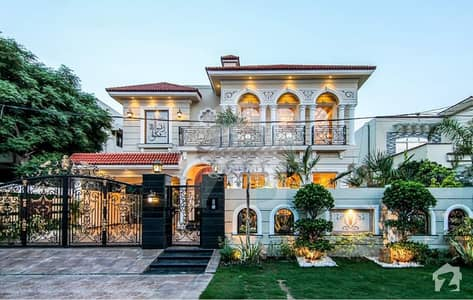 ONE KANAL LUXURIOUS SPANISH FAISAL RASUL ROYAL CLASS HOUSE FOR SALE IN THE HEART OF DHA LAHORE CANTT