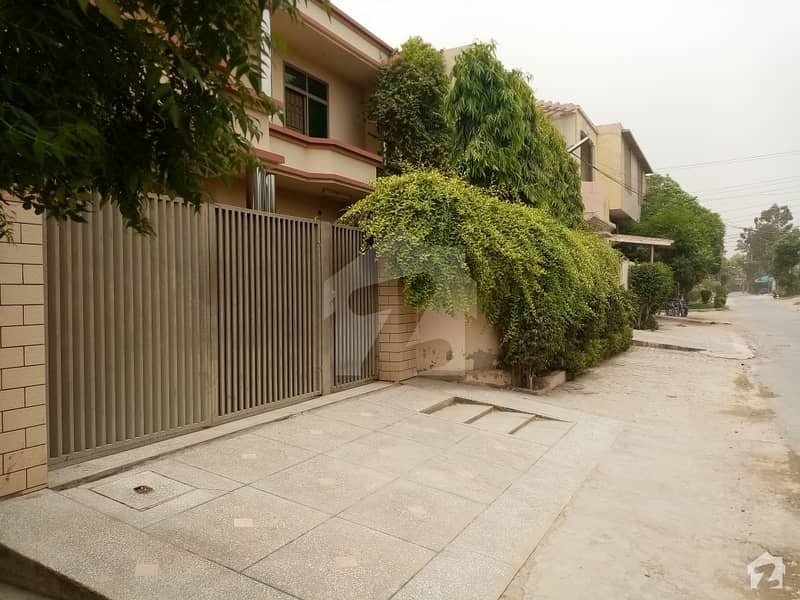 Old House Available For Rent On Girls College Road