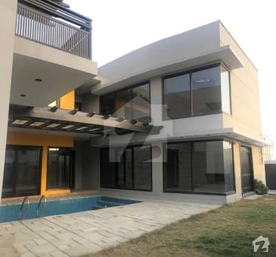 1000 Sq Yards Brand New  House For Rent  7 Beds With Swimming Pool And Basement