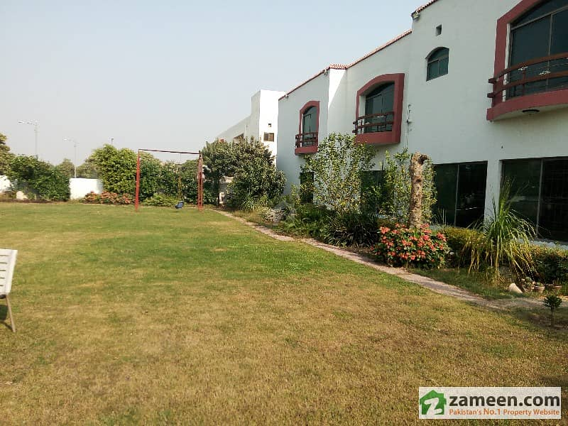 4 Kanal Slightly Used Bungalow For Sale