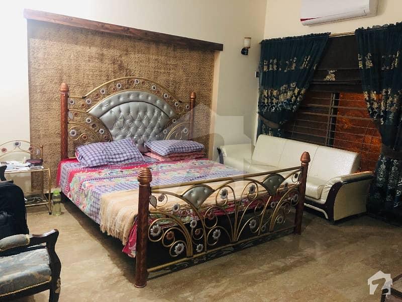ڈی ایچ اے فیز 3 - بلاک ڈبل ایکس فیز 3 ڈیفنس (ڈی ایچ اے) لاہور میں 2 کمروں کا 10 مرلہ کمرہ 32 ہزار میں کرایہ پر دستیاب ہے۔