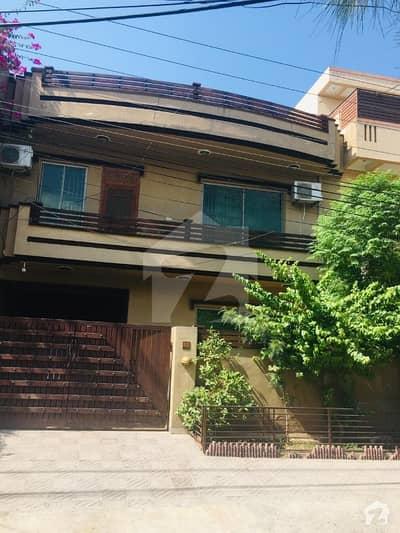 مارگلہ ٹاؤن اسلام آباد میں 6 کمروں کا 8 مرلہ مکان 2.6 کروڑ میں برائے فروخت۔