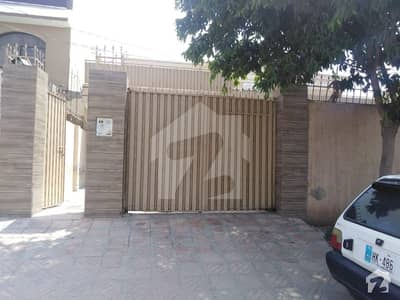 1 Kanal House For Sale  Of Prime Location Of Shalman Park
