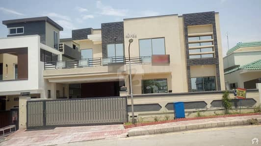Owner Built 7 Bedrooms Triple Storey House Is Available For Sale