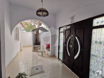250 Square Yard Villa In Clifton Block 8 For Sale