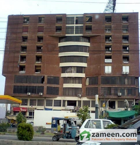 1 Fully Luxury Furnished Bed Room In Barkat Market Lahore Just For Female