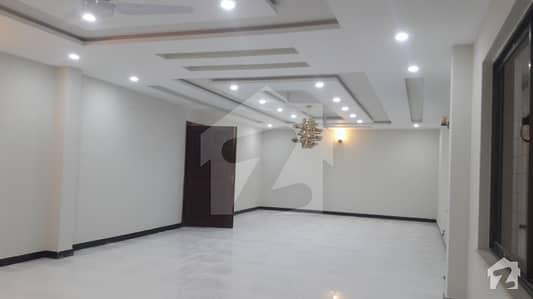 ایف ۔ 7 اسلام آباد میں 10 کمروں کا 1 کنال مکان 7 لاکھ میں کرایہ پر دستیاب ہے۔