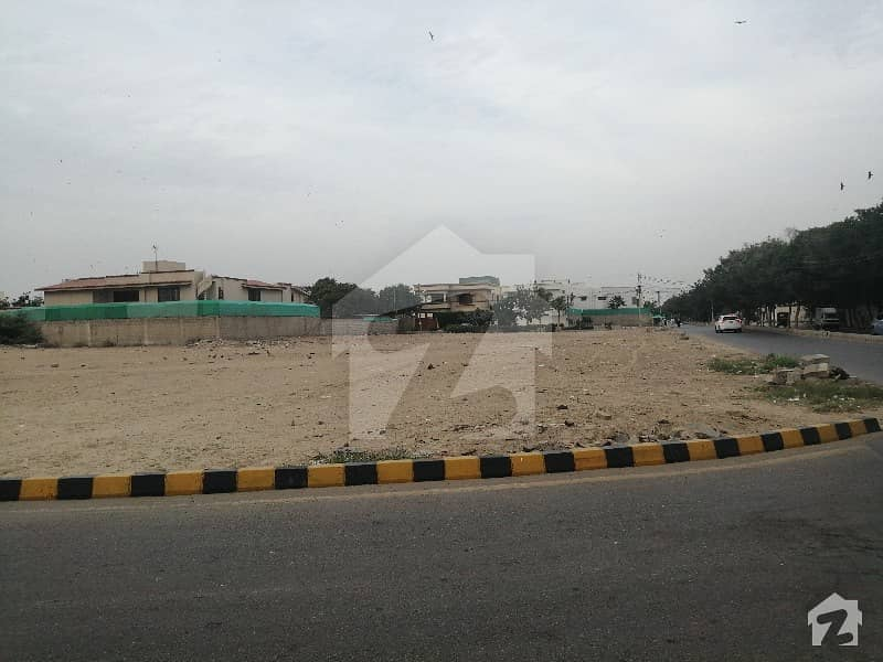 1000 Sq Yd Ready For Construction Plot For Sale Ideal For Your Dream House All Around Beautiful Bungalows