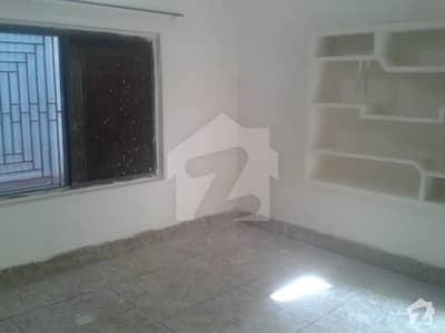 دلاور کالونی بہاولپور میں 1 کمرے کا 1 مرلہ کمرہ 10 ہزار میں کرایہ پر دستیاب ہے۔