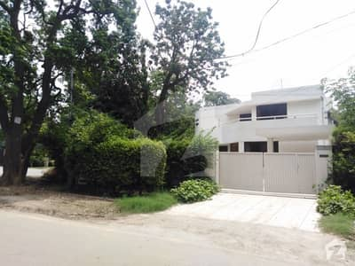 1. 8 Kanal Bungalow For Rent In Gulberg 2 Lahore