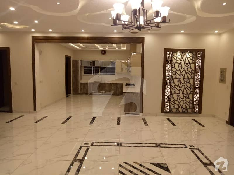 Phase 4 Ideal Location 1 Kanal Designer House Available For Sale