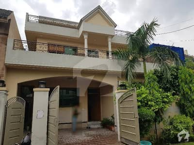 House 10 Marla Having 5 Bed For Sale