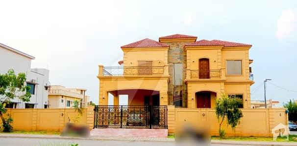 New Corner Boulevard Designer House With 1 Kanal Plot