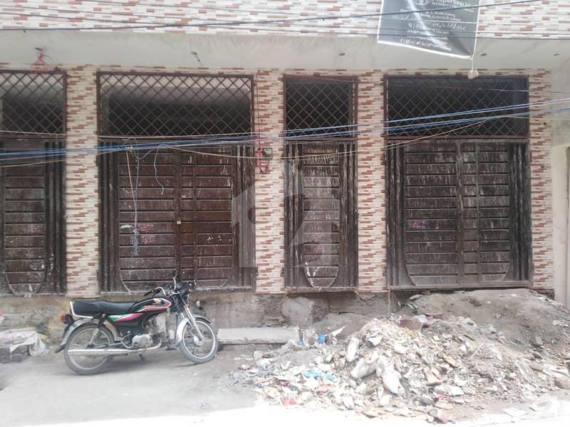 فردوس مارکیٹ گلبرگ لاہور میں 2 کمروں کا 2 مرلہ بالائی پورشن 20 ہزار میں کرایہ پر دستیاب ہے۔