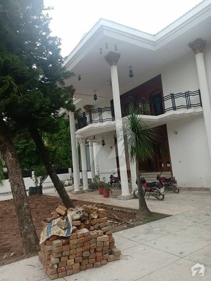 F-8 1200 Sq Yards House Is Available For Sale