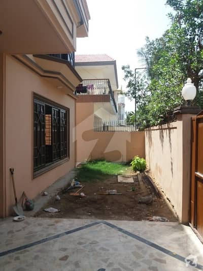 300 yards bungalow for rent i have more bungalows for rent