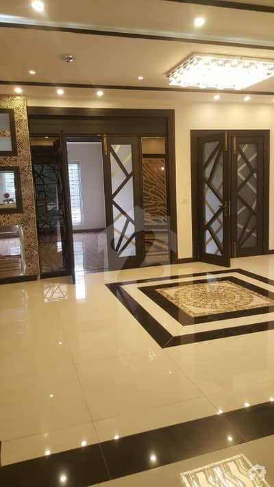 14 Marla Luxury House For Sale