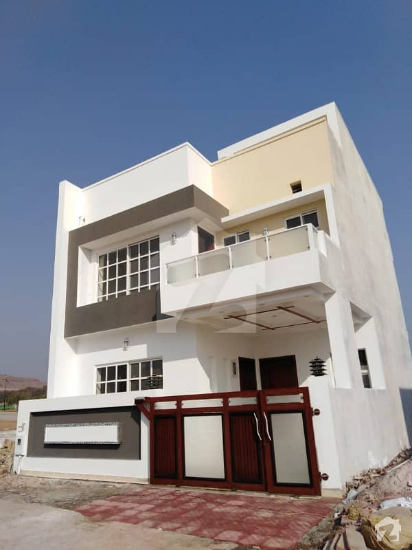 Beautiful  Solid Constructed 5 Marla House In Bahria Enclave