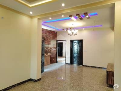 شیرشاہ کالونی - راؤنڈ روڈ لاہور میں 1 کمرے کا 3 مرلہ زیریں پورشن 18 ہزار میں کرایہ پر دستیاب ہے۔