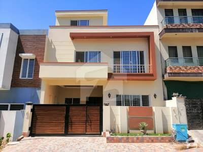 E11 Double Story Brand New House Size 30x60 5 Beds 6 Baths 2 Kitchen Prime Location House Available For Sale