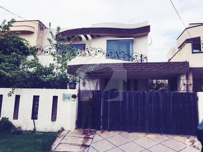 Syed Brothers Offers 10 Marla Beautiful Design Solid Fully Furnished Bungalow For Rent