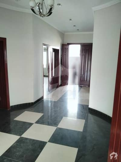 1 Kanal Lower Portion Independent With Separate Gate For Rent