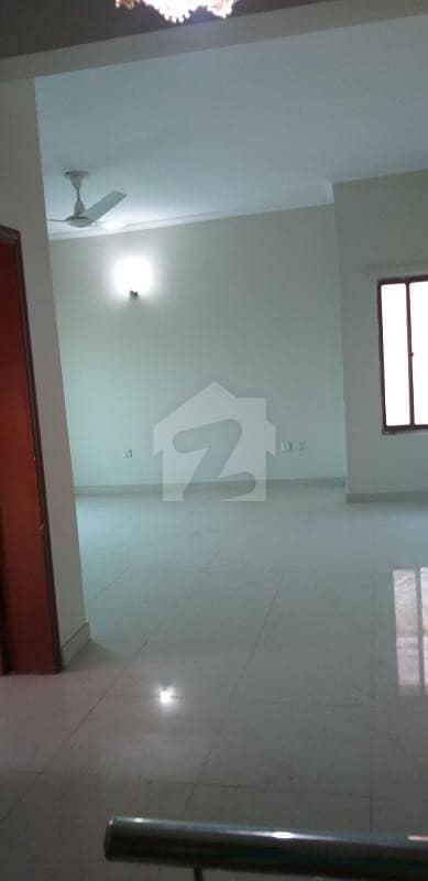 گارڈن ٹاؤن - عثمان بلاک گارڈن ٹاؤن لاہور میں 4 کمروں کا 1 کنال مکان 3. 75 کروڑ میں برائے فروخت۔