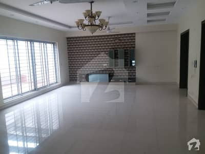 2 Kanal Upper Portion Facing Park Located In The Heart Of Dha Phase 3 Near McDonald It Can Be Yours For Rent