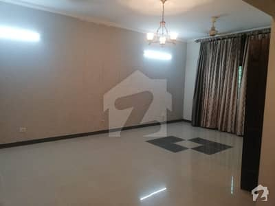 Askari 11  Sector B - 10 Marla 4 Bed Luxury House For Rent With Gas