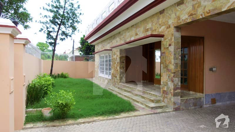 Separate Gate Fresh Renovated 23 Marla Lower Portion With Study Room Must Once Visit Situated At Most Prime Location
