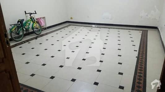 حیات آباد فیز 1 حیات آباد پشاور میں 5 کمروں کا 1 کنال مکان 3. 85 کروڑ میں برائے فروخت۔