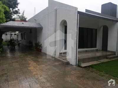 F-7 Single Storey House 3 Bedrooms Neat Bathroom Best Lawn  Rs 180