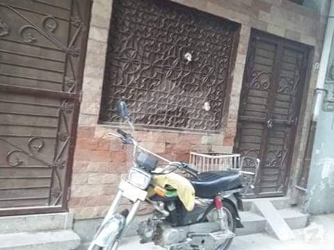 Cantt Saddar 8 Marla Solid Constructed House Near Park Main Road Prime Location