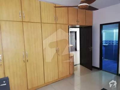 کلفٹن کراچی میں 3 کمروں کا 8 مرلہ مکان 95 لاکھ میں برائے فروخت۔